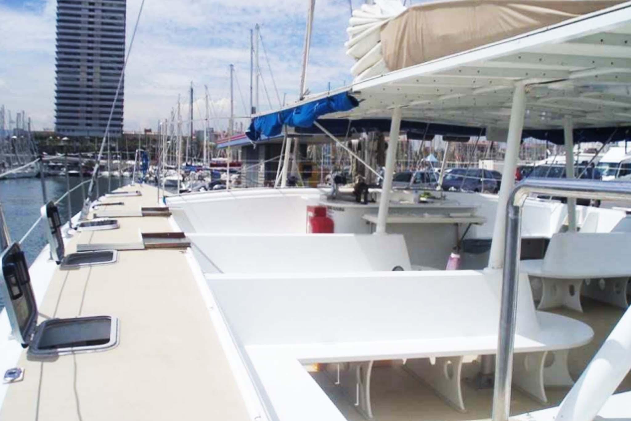 Alquiler Catamaran Sitges 3