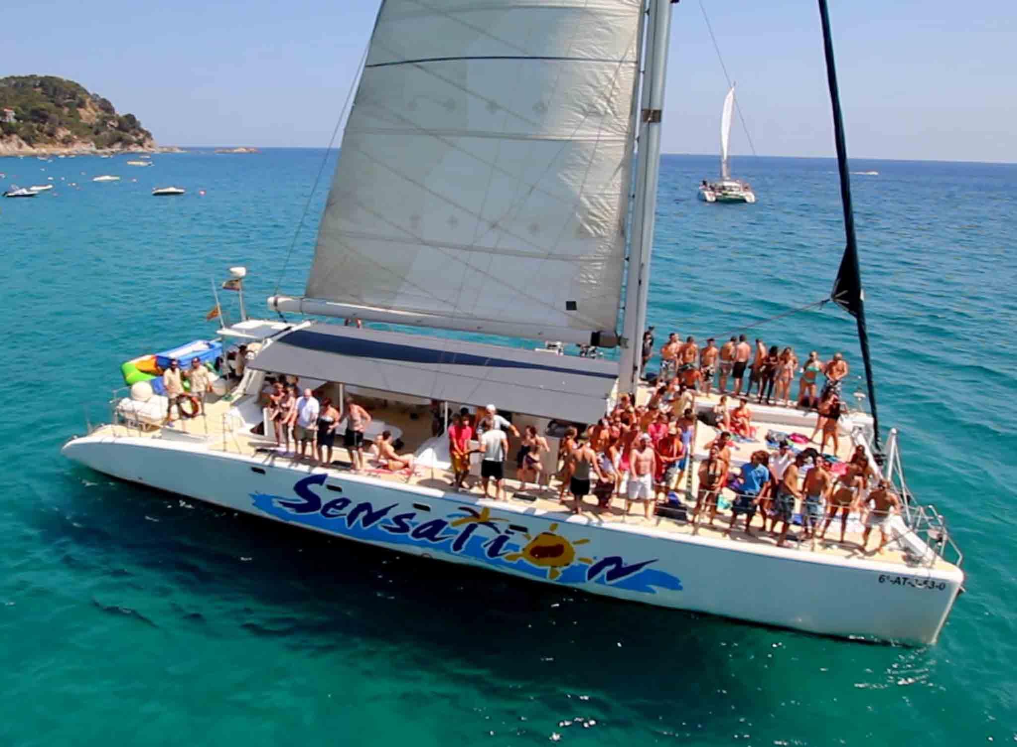 Catamaran Despedidas Sitges 1