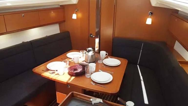 Barcos en Sitges Cena a Bordo