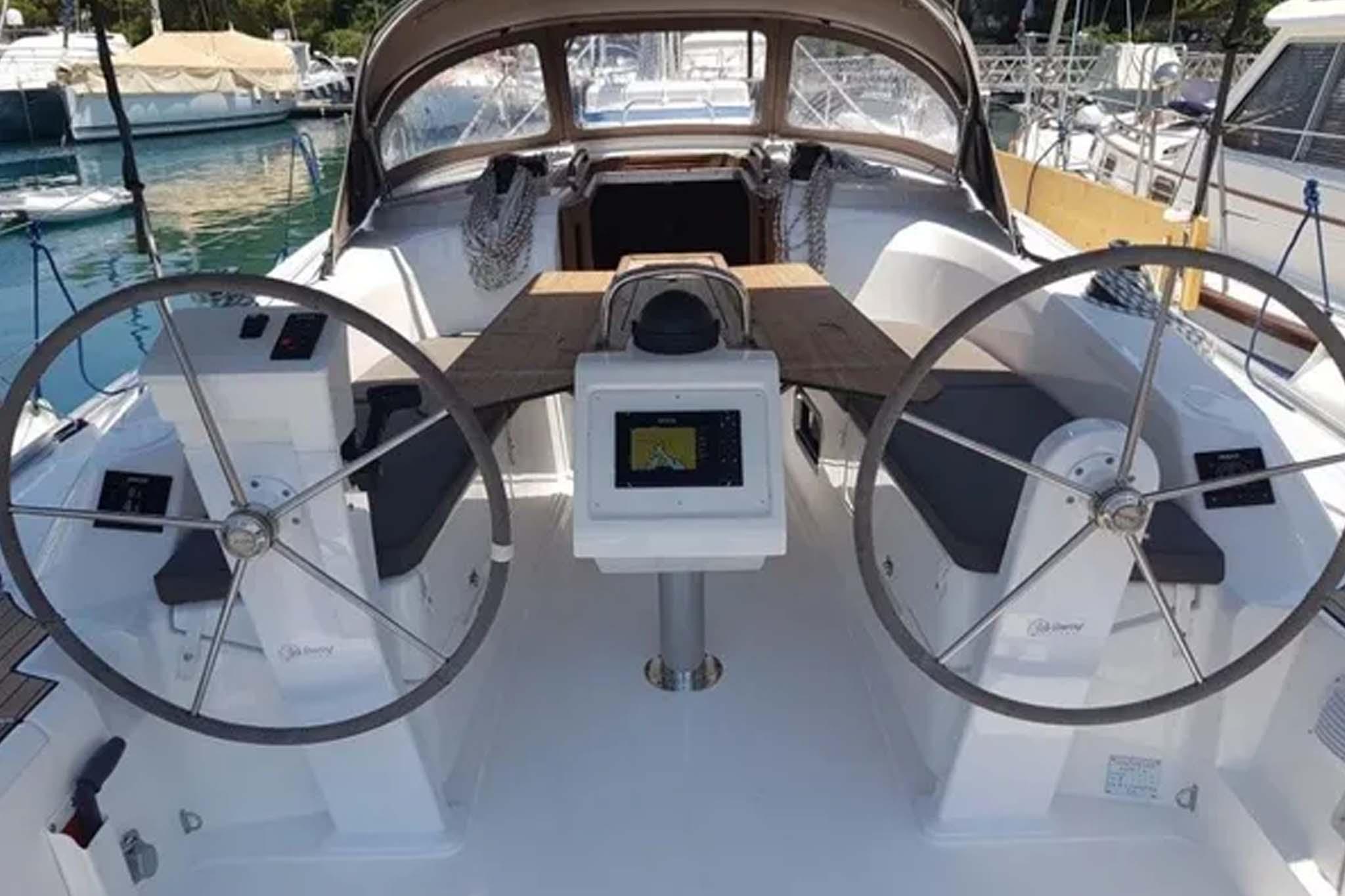 Aquiler barco Sitges Bavaria 50 3