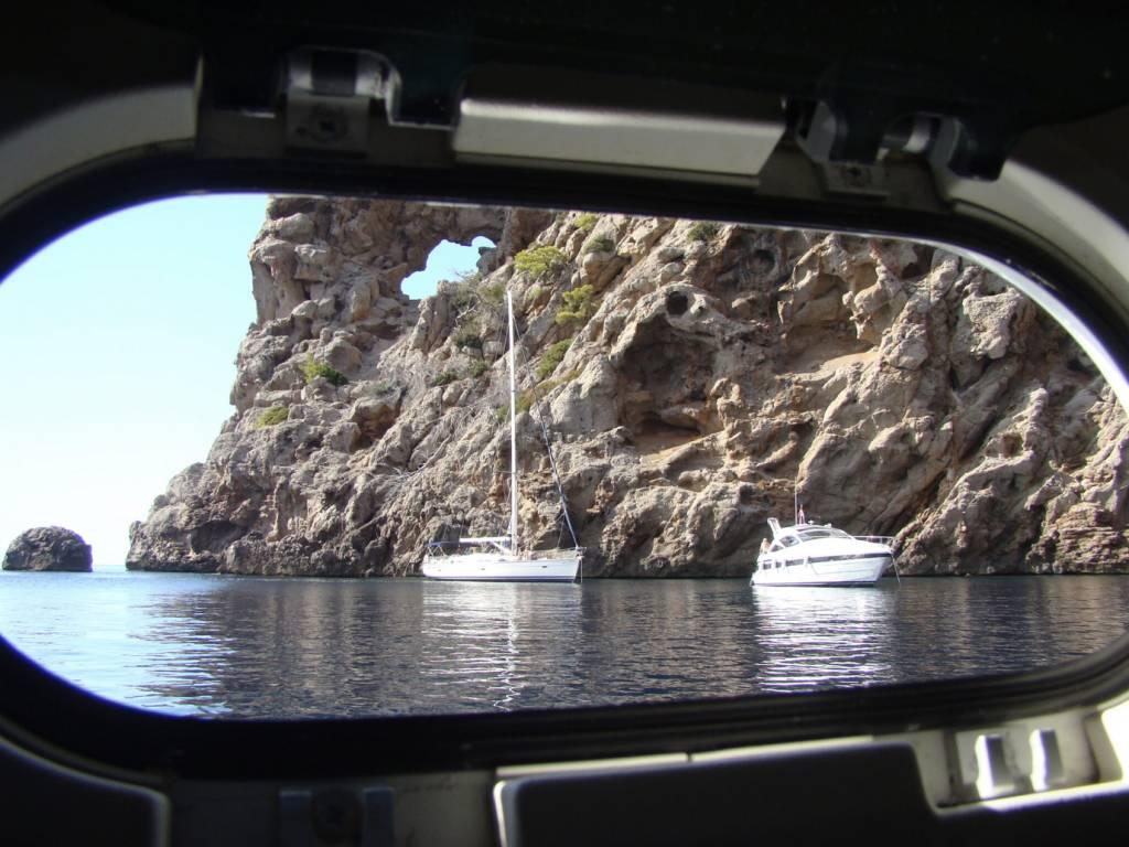 Barco en Sitges Travesias 1