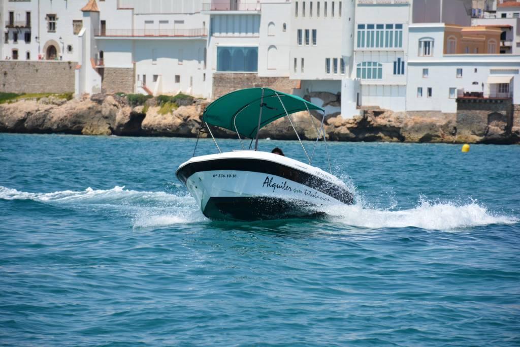 Alquiler Barcos Sin Licencia 3