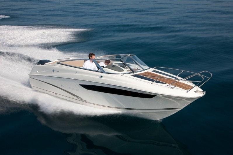 Alquila un barco Cap Camarat en Sitges 1