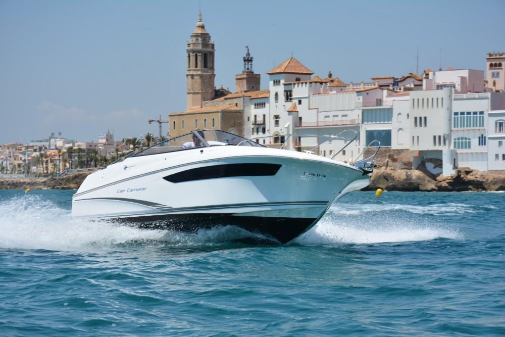 Alquila un barco Cap Camarat en Sitges 5