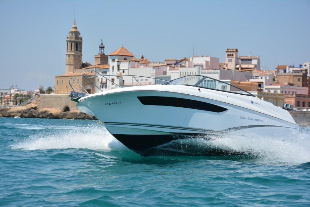 Alquila un barco Cap Camarat en Sitges 6