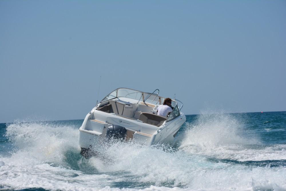 Alquila un barco Cap Camarat en Sitges 3