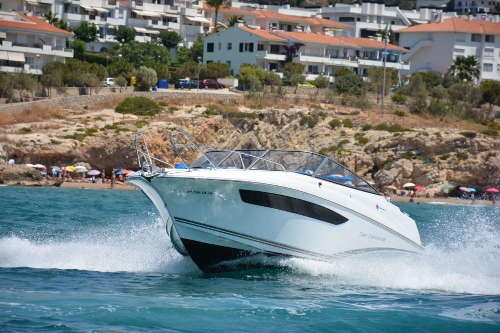 Alquila un barco Cap Camarat en Sitges 4
